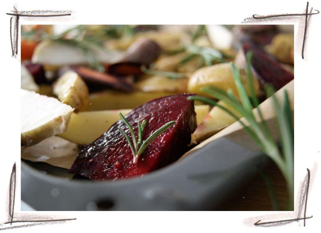 Ofengemüse mit Erdäpfeln Rote Rüben Sellerie
