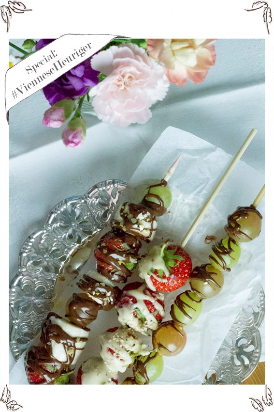 chocolate fruit skewers (almost) like you get them at the Viennese Heurigen