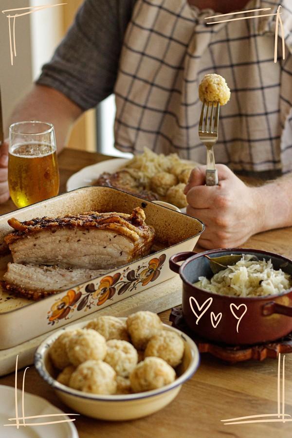 Schweinsbraten Kümmelbraten (Austrian pork roast)